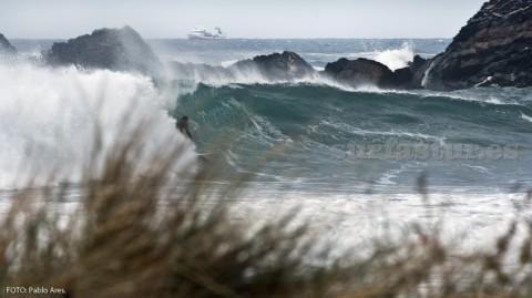 Xagó siempre tiene olas. Ven a Xagó Surf y aprende a surfear con la escuela SURFASTUR