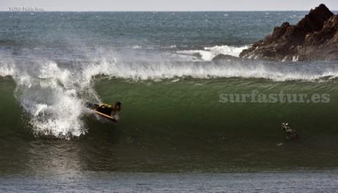 SURFASTUR es la mejor escuela en Xagó. Consulta nuestros bonos y disfruta con Xagó Surf